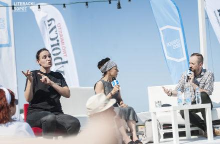 Spotkania tłumaczone na język migowy podczas Literackiego Sopotu Literacki Sopot media
